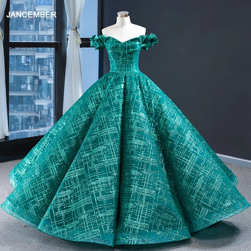 Why Are Women Choosing to Wear the Green Dress