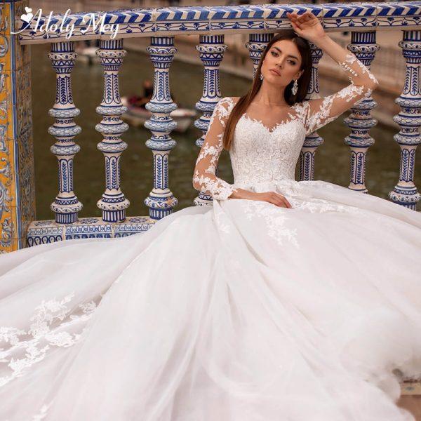 Gorgeous Appliques Bridal Gown